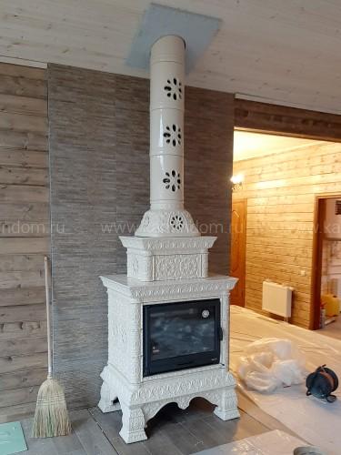 Изразцовая печь-камин КимрПечь Кострома двухъярусная пристенная с топкой Chazelles D70 под ключ