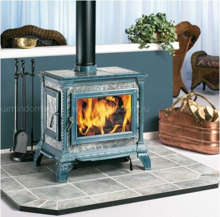 Печь-камин Hergom Heritage, эмалирована в светло-голубой цвет